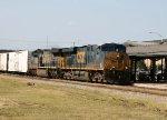 CSX 5247 & 5013 lead train Q740 northbound