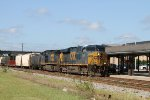 CSX 5488 leads train F774-15 northbound