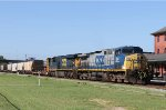 CSX 64 & 923 lead train F774-15 northbound