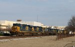 CSX 853 leads a bunch of CW40-8's and a GP38-3 southbound on train Q401-01
