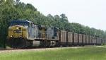 CSX 302 leads train U144 thru town