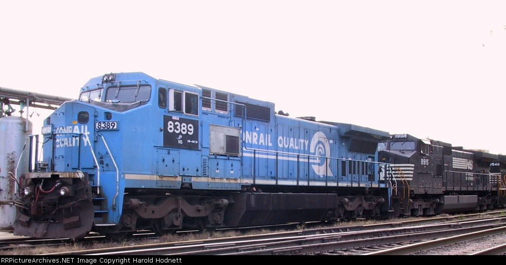 NS 8389 sits with other GE units at the fuel rack on Christmas Day