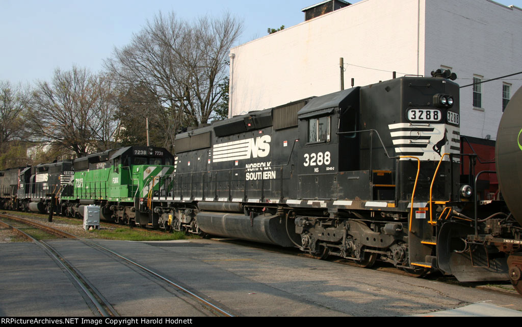 NS 3288 is the last unit on NS train 349 at Southern Junction