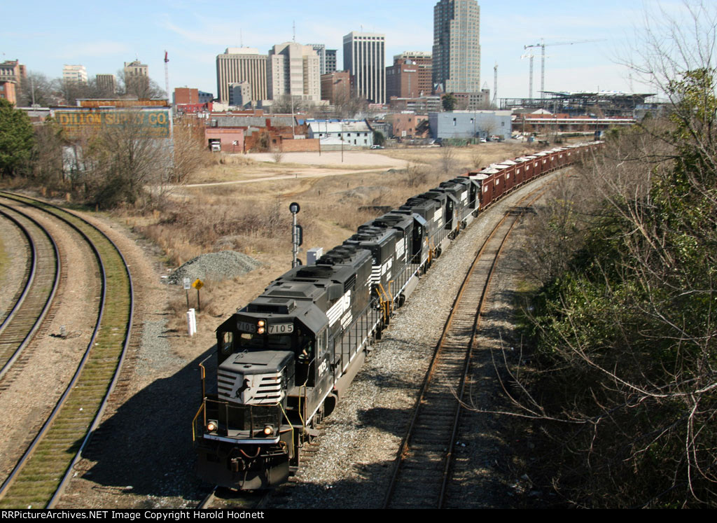 NS 7105 leads three other GP60's at Boylan