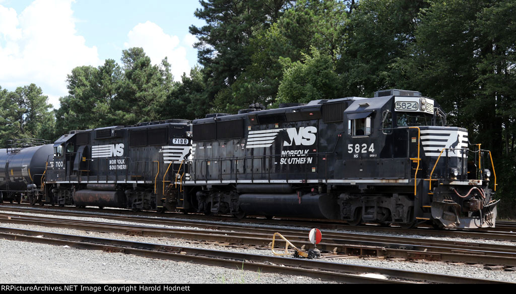 NS 5824 & 7100 sit in the yard