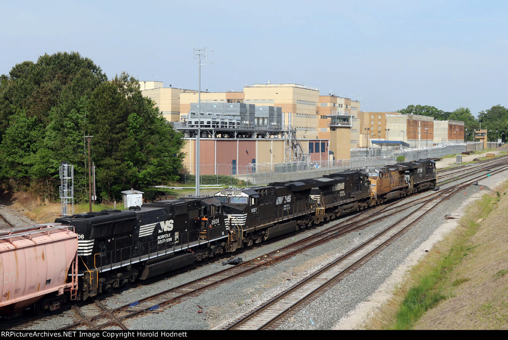 NS Train 60U crosses Boylan Junction headed westbound