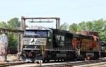 NS 6952 & BNSF 7789 sit at the fuel racks