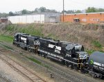 NS 2847 & 5564 shove a string of cars back to the yard