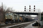 NS 7526 & 7525 prepare to lead train 846 eastbound on the H line