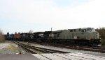 NS 7527 leads train 349 towards Boylan