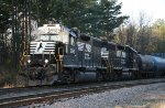 """NS 5563 & 5561 head off the """"D"""" line"""