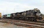 NS 8828 & 1055 hand off RNCX 18546 to train E60