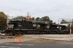 NS 8828 & 1055 lead train 351 out of Glenwood Yard