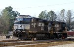 NS 9899 & 8905 sit in Glenwood Yard