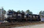 NS 9118, 700, & 3102 in Glenwood Yard