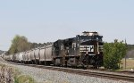 NS 9091 leads train E26