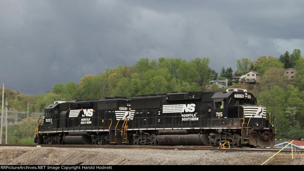 NS 7115 & 5053 work the yard on train PA01