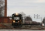"""NS 3288 leads train P61 onto the """"S"""" line"""