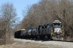 NS 3529 leads train P87