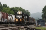 NS 5668 leads train 955 past train 162