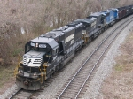 NS 6657 leads a westbound train