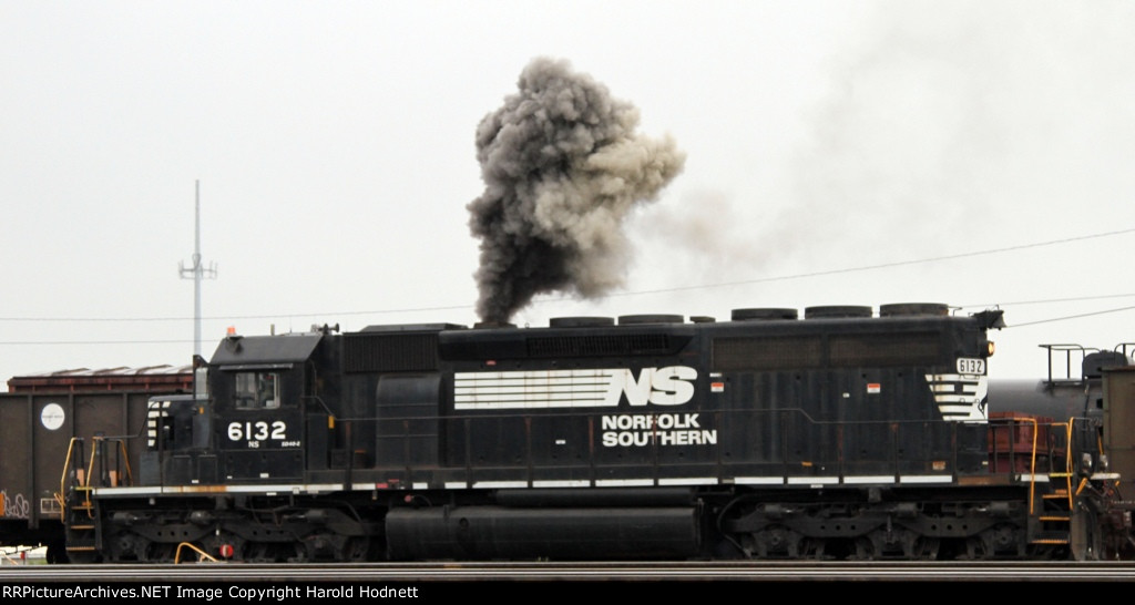 NS 6132 belches out a big cloud