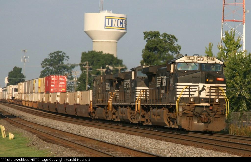 NS 9813 leads train 214 northbound