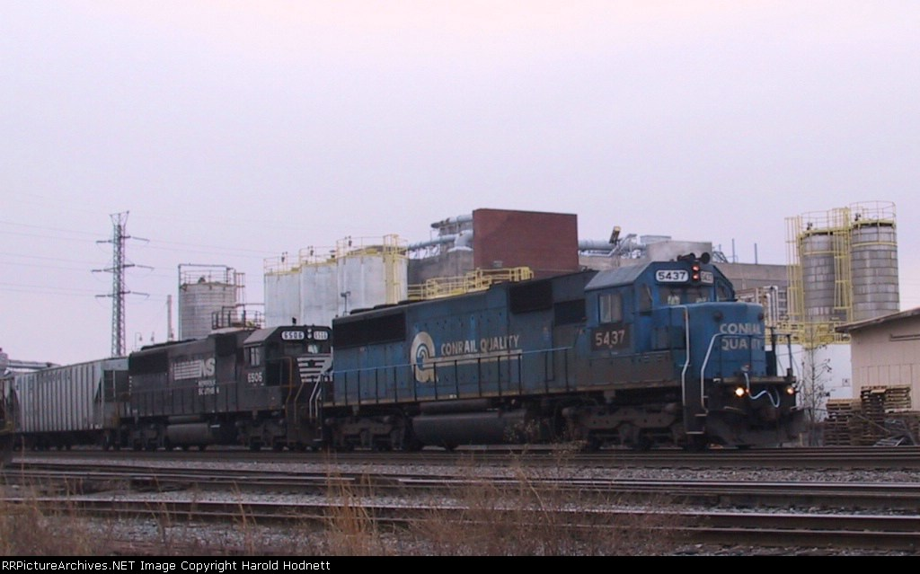 NS 5437 & 6506 head south