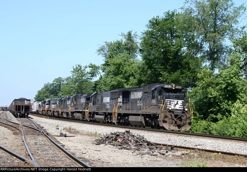NS 8584 leads several other locos and train 128 northbound