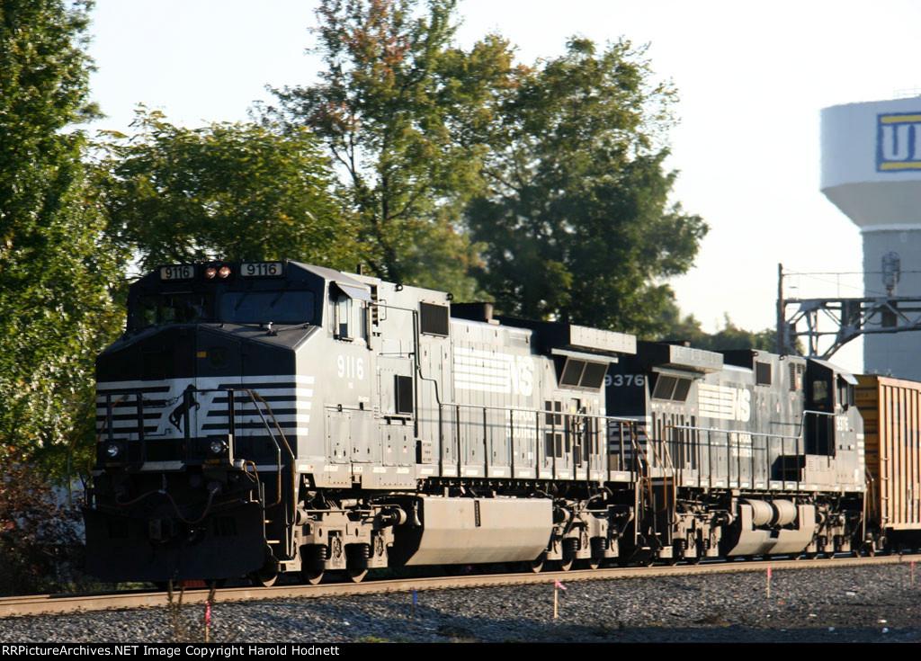 NS 9116 & 9376 lead a southbound train