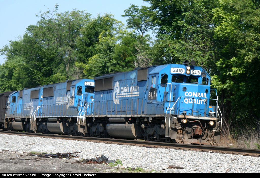 NS 5418 leads train 158 northbound
