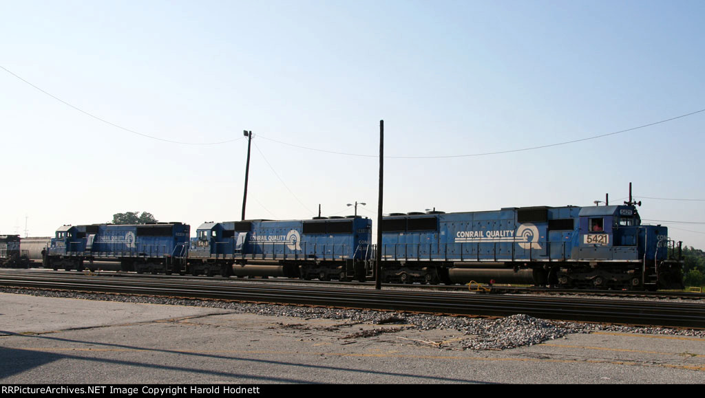 NS 5421, 5419, and 5410 are power for train P84