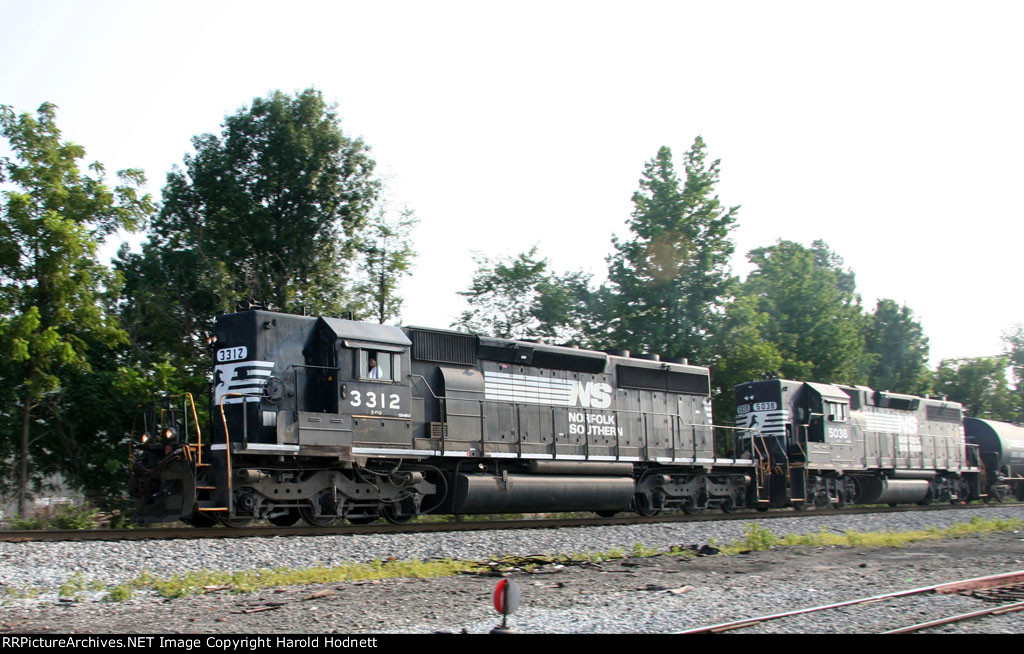 NS 3312 & 5038 lead a train southbound at CP Aycock