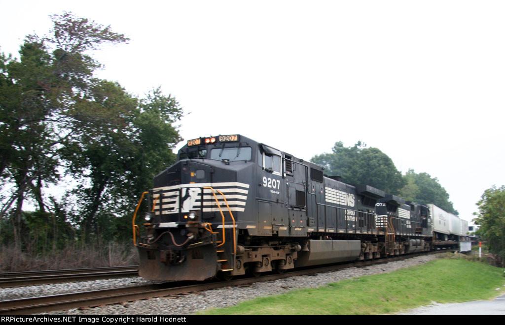 NS 9207 & 9072 lead train 218 down the yard lead