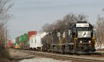 NS 5326 leads PP05 + 1500' of stack cars for train 214