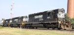 NS 3283 leads an all-EMD lashup on train P10