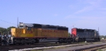 SSW 9650 & UP 3728 lead a train through Pomona Yard