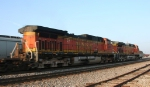 BNSF 4393 & 4955 lead NS train 218 to Pomona Tower