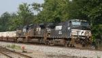 NS 9285 leads train 214 northbound