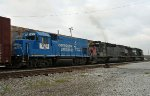 NS 1431 & NREX 8250 head south on a NS train
