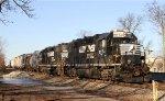 NS 5574 & 5535 lead train PP05 (A&Y job) down the lead