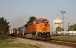 BNSF 5022 leads NS train 214 northbound