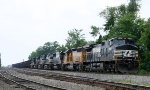 NS 9147 leads 6 other locos on train 128