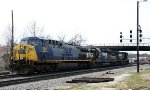 CSX 290 will lead NS train 351 on its trip to Roanoke