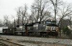 NS 8972 & 6694 lead train 158 northbound