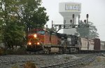 BNSF 4877 leads train 159 southbound on a foggy morning