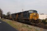 CSX 809 leads train U309 thru town