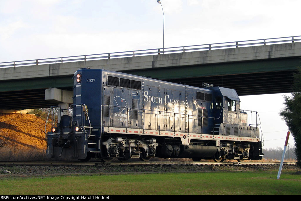 SCRF 2027 is leaving the CSX yard headed west