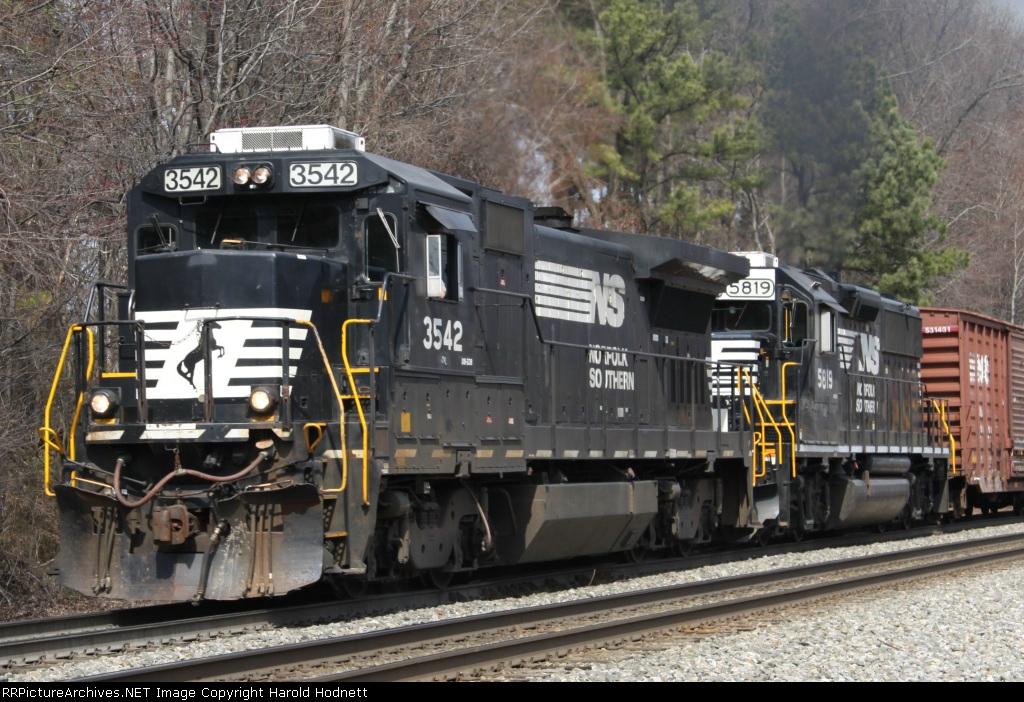 NS 3542 & 5819 lead the Salisbury switcher