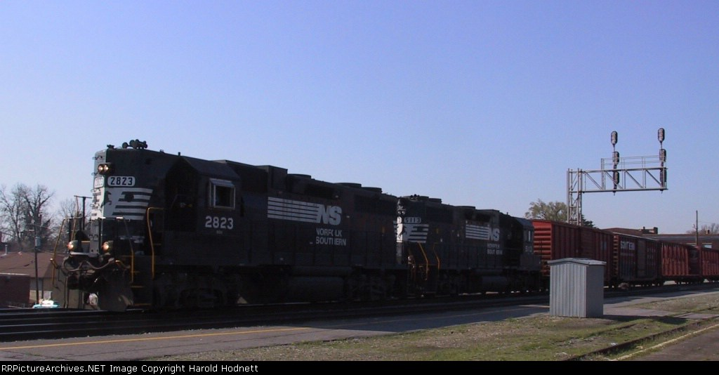 NS 2823 & 5113 are power for a local